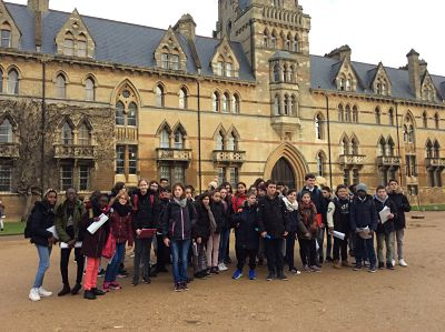 Le groupe devant Christchurch, Oxford